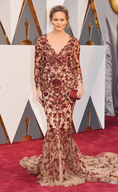 Oscars-Chrissy-Teigen
