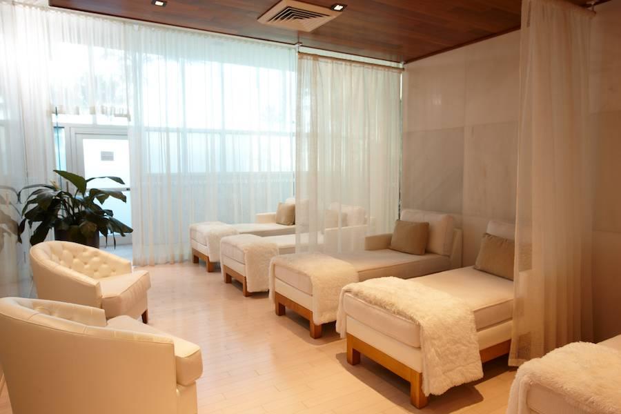 Womens-Lounge-2